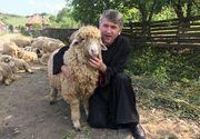 Cristian Pomohaci a fost exclus definitiv din preotie, insa inca se fotografiaza in straie bisericesti