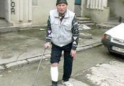 A defecat si a urinat pe holul Politiei in timp ce era batut crunt de doi agenti. Cum s-au razbunat politistii pe bietul batran din Iasi