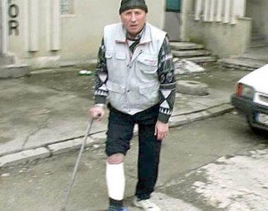 A defecat si a urinat pe holul Politiei in timp ce era batut crunt de doi agenti. Cum...