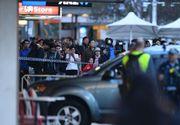 O masina a intrat in pietoni in fata unui mall din Sydney. Printre raniti se afla si un bebelus