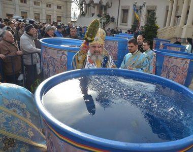"""Descoperire socanta despre apa sfintita! E considerata """"vindecatoare"""", insa..."""