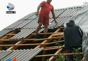 A fost o noapte furtunoasa cu multe pagube, prin toata tara! Vijelia a lasat mai multe familii fara acoperis deasupra capului si a doborat zeci de copaci pe mai multe masini.