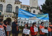 Aproximativ 2.000 de persoane au participat la mitingul de protest de la Targu Mures pentru sustinerea Liceului Teologic