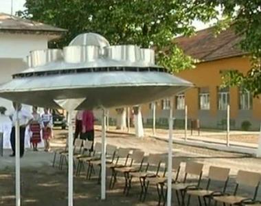 Un inginer din Oltenia a reusit sa reproduca o farfurie zburatoare - Tot satul s-a...