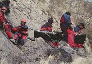 Interventie pentru recuperarea unei turiste care a cazut intr-o prapastie, in Masivul Bucegi
