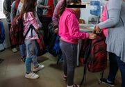 Razie in scoli! Elevii, controlati in ghiozdane de inspectori scolari,  pentru a nu intra in scoala cu Gazeta matematica sau globuri pamantesti: Scandalul auxiliarelor, o afacere de 35 milioane euro