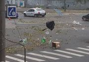 Dezastru in Timisoara! Patru morti si 26 de raniti, in urma furtunii violente. Panoul de la intrarea in oras a cazut peste o masina in care se afla un om! Orasul arata ca dupa bombardamente