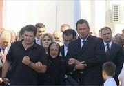 Lacrimi si durere la inmormantarea seniorului liberal Mircea Ionescu Quintus. Sotia lui a fost devastata pe parcursul funeraliilor