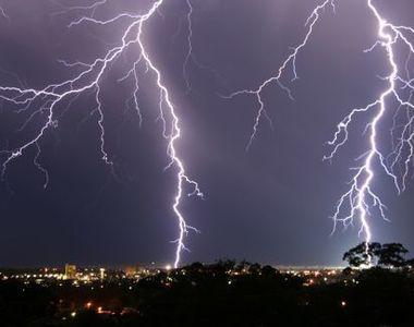 Meteorologii vin cu o noua avertizare! Vor fi ploi torentiale, descarcari electrice si...
