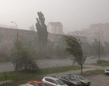 Panica in Capitala! Vine furtuna in Bucuresti: Firea inchide scolile si cere, cu cateva...