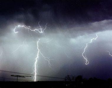 """Mesajul care i-a panicat pe bucuresteni! """"Situatia ciclonului e mult mai..."""