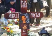 """Mormantul lui Aurelian Preda, """"invadat"""" de credinciosi. Sute de oameni au venit in locul in care e inmormantat, la un an de cand a murit de cancer"""