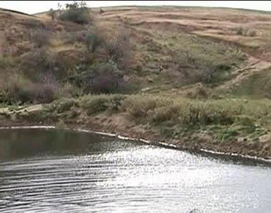 Izvoarele, satul blestemat din Galati. Dupa cutremure si alunecari de pamant, un lac...