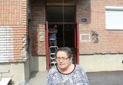Pensionara care a reparat casa scarii din banii ei, reclamata la politie de vecinii deranjati de zgomot