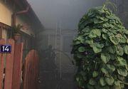 Pompierii intervin pentru stingerea unui incendiu puternic izbucnit la doua case din Capitala