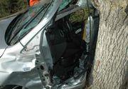 Constanta: Un tanar de 24 de ani a murit dupa ce a intrat cu masina intr-un copac