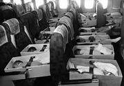 Peste 2.500 de copii, pusi in cutii si transportati cu avionul. Ce s-a intamplat cu ei peste numai cateva ore e incredibil