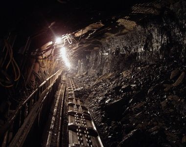 Ministerul Economiei vrea sa schimbe Legea Minelor. Ce sunt obligati titularii...