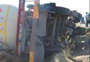 O cisterna plina cu motorina s-a rasturnat in Dambovita! Traficul este intrerupt