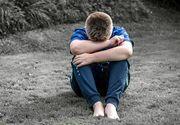 Copil bolnav de cancer din Botosani, umilit de profesori! Nu l-au luat in excursie pentru ca au crezut ca boala lui e transmisibila