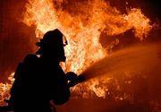 Incendiu la un gater din Marginimea Sibiului! Arde o hala pe o suprafata de o suta de metri patrati