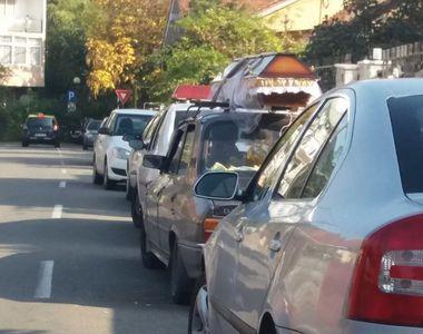 Imagini halucinante in Satu Mare! A mers prin trafic cu fratele sau decedat pe capota...
