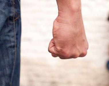 Un barbat in varsta de 62 de ani a fost omorat in bataie de prietenul cu care mergea la...