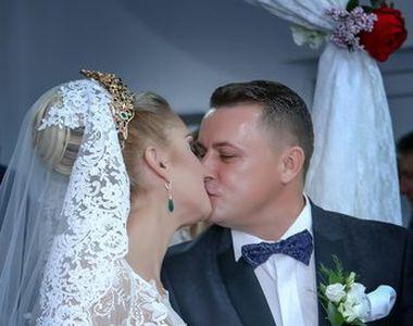 Primele imagini de la nunta cu 7000 de invitati din Maramures! Cum au aratat mirele si...