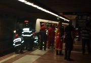 Panica la metroul bucurestean in aceasta dimineata - Un jgheab de scurgere a cazut pe sinele de tren si a produs un scurtcircuit. Conducerea METROREX, demisa!
