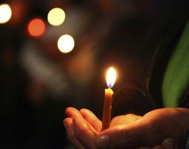 De 6 ani, pe 11 noiembrie, se duce si aprinde o lumanare pentru sufletul celui care,...