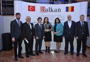 Ambasadorul Turciei la Bucuresti, invitat de onoare la ceremonia de premiere a afacerilor turcesti de succes. Diplomatul are un simt al umorului de invidiat.