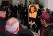 Gestul emotionant facut de admiratori la priveghiul Stelei Popescu! Nu ai vazut asa ceva pana acum la nici un artist