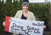 O femeie cu cancer terminal a castigat 1,5 milioane de dolari la loto