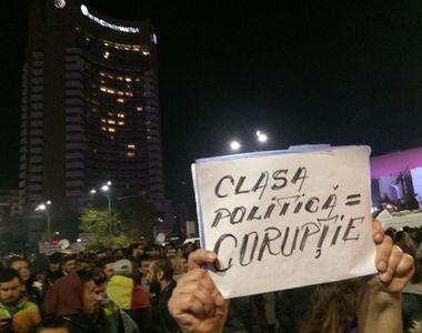 Protest masiv duminica in Bucuresti. Oamenii au iesit din strada din cauza legilor...