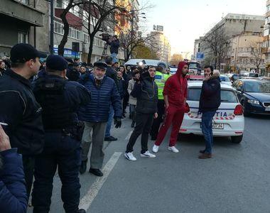 Trafic blocat pe Calea Dorobantilor din Bucuresti! Peste 600 de oameni se bat pentru a...