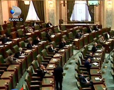 Scandal in Parlament dupa ce Guvernul a marit salariul minim brut