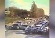 Fiul unei judecatoare din Dolj face legea pe strada cu bata! Imagini incredibile surprinse de camerele de luat vederi