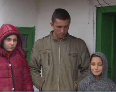 Copilarie distrusa pentru trei frati din Ialomita! In doar trei luni, si-au pierdut...