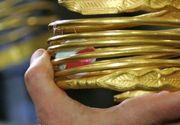 Bratara dacica recuperata de politistii din Olt este autentica. Podoaba din aur de 24 de karate cantareste 108 grame