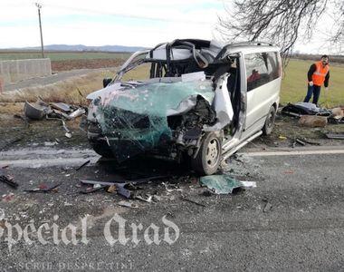 Arad: Trafic complet blocat pe DN 79, in urma coliziunii dintre un camion si un...