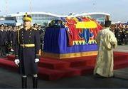 Trei zile de doliu national, incepand de astazi, in memoria regelui Mihai. Sicriul cu trupul neinsufletit al Majestatii Sale este depus la Palatul Regal, pana sambata