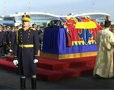 Trei zile de doliu national, incepand de astazi, in memoria regelui Mihai. Sicriul cu...