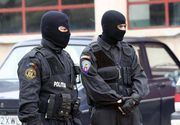 Perchezitii de amploare in Bucuresti. Politistii au ridicat peste 60 de kilograme de materiale pirotehnice