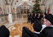 """Cum arata """"casa"""" Patriarhului Daniel! Seful BOR si-a deschis portile Palatului Patriarhal pentru colindatori"""