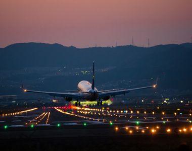 Un avion a fost intors din cursa spre Tokyo dupa ce un pasager a realizat dupa 4 ore ca...