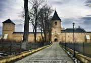 Cea mai inalta si ingusta biserica din Romania. Dragomirna este perla arhitecturala din Tinutul Manastirilor