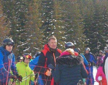 Presedintele Klaus Iohannis, surprins la ski in Muntii Sureanu
