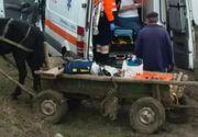 Situatie revoltatoare in Vaslui! Un pacient a ajuns la spital cu caruta, ambulanta impotmolindu-se in noroi