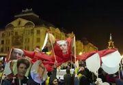 "Imagini inedite de la protest! Cativa manifestanti au confectionat ""caracatita PSD"""