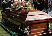 Ce tragedie! S-a inecat cu carne la priveghiul varului sau si a murit in timp ce rudele se uitau la el - Varul a murit la spital dupa ce i-a cazut un aparat medical in cap